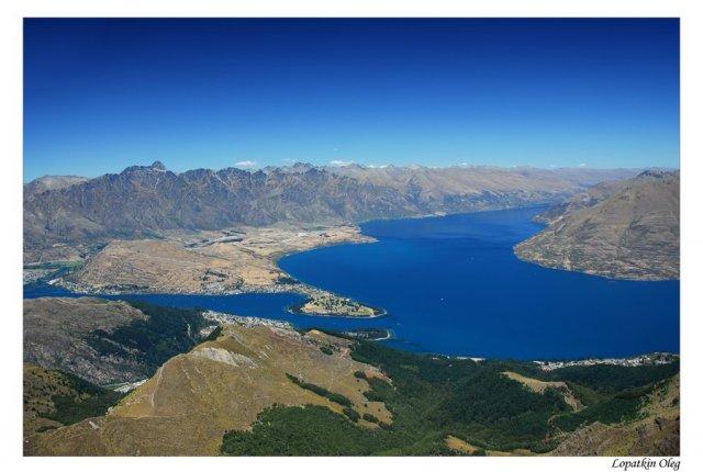 Вид на Квинстаун с вершины Бен Ламонд, Новая Зеландия