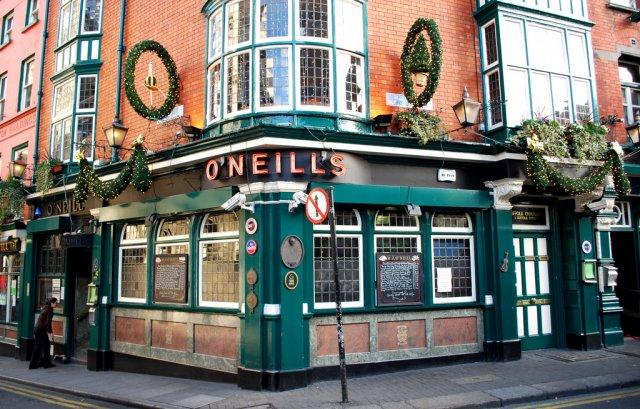 Паб O'Neil's в Дублине, Ирландия