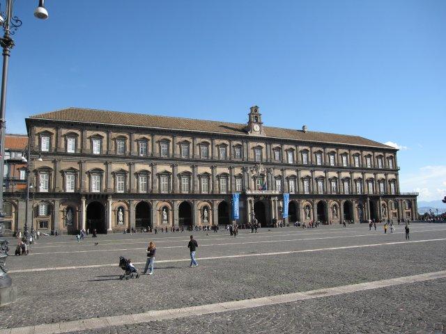 Королевский дворец Палаццо Реале, Неаполь