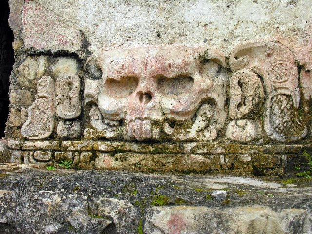 Храм Черепов в Паленке, Мексика