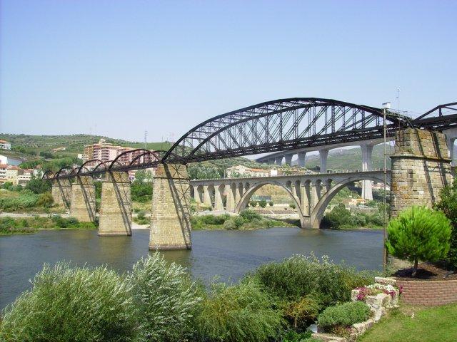 Мост в Пезу-да-Регуа, Портулагия