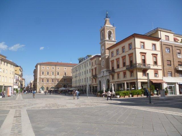 Площадь Трёх мучеников, Римини