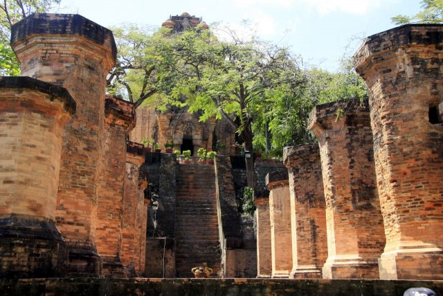 Башни По Нагар, Вьетнам
