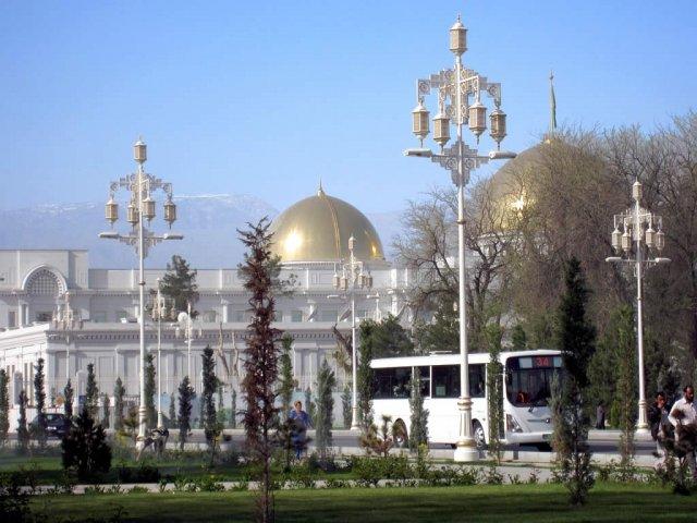Президентский Дворец в Ашхабаде, Туркмения