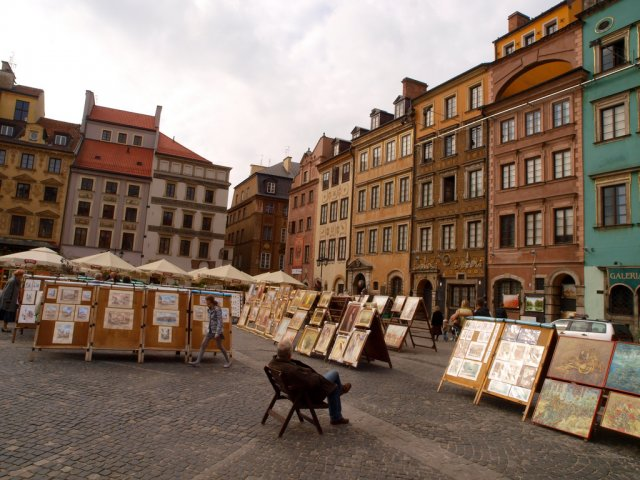 Старорыночная площадь, Варшава