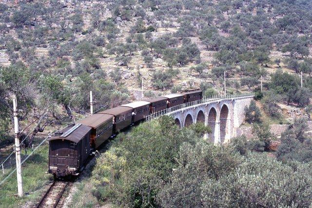 Старинный поезд в Соллер, Пальма-де-Майорка