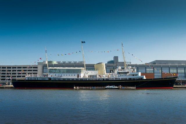 Яхта «Британия», Эдинбург