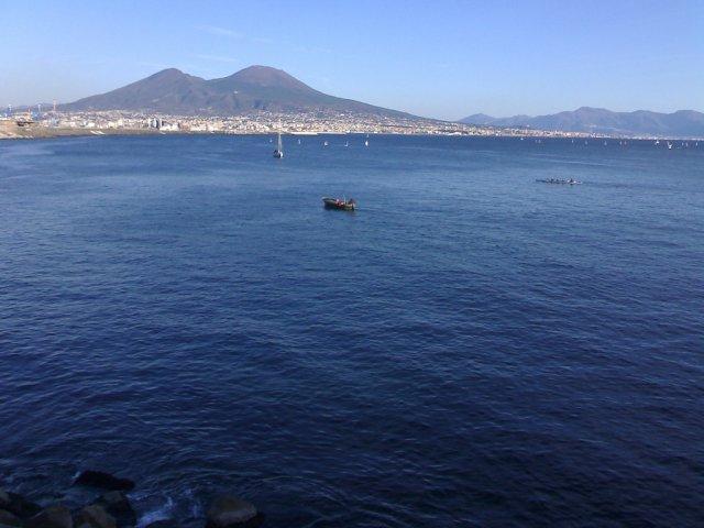 Везувий, Неаполь