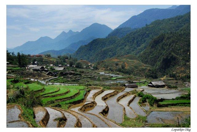 Вид на долину, лежащую под Фан Си Паном