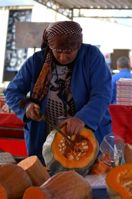 Фолкс-базар в Кемере