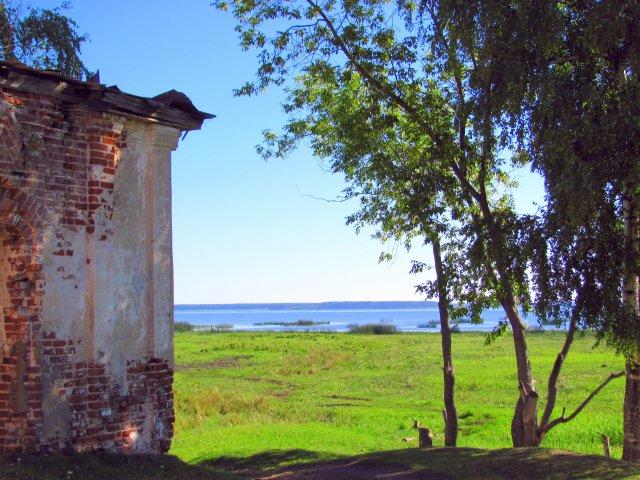 Рыбинское водохранилище, затопившее пол - Весьегонска