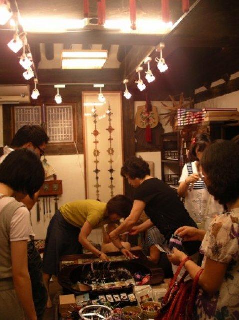 Посетители шоу-рума, Южная Корея