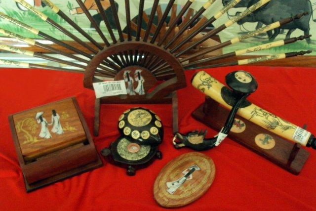 Деревянные поделки - сувениры из Вьетнама