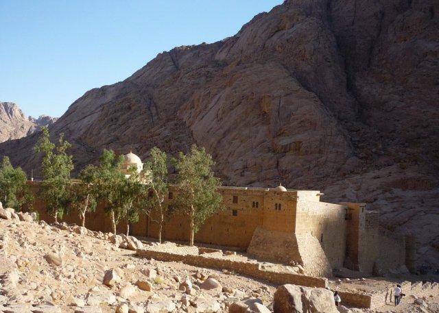 Монастырь Святой Екатерины. После короткого пути с горы Моисея