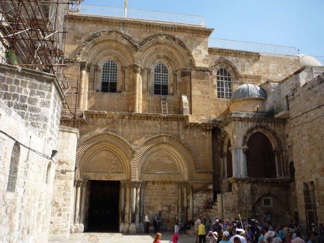 На подходе к Храму Гроба Господня - основной святыне для христиан