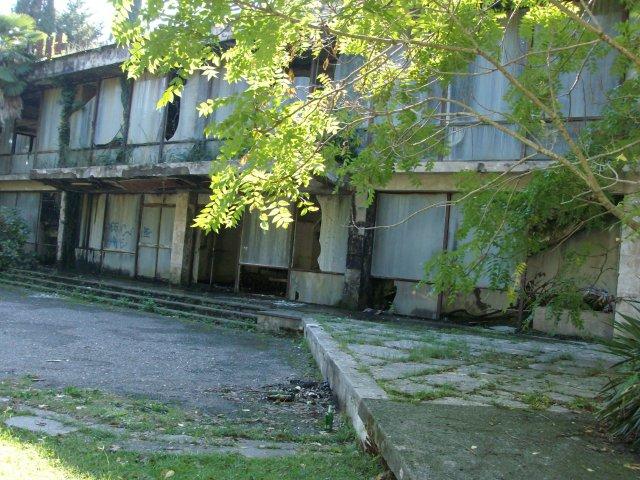 ресторан Пицунда ул.Гочуа, вблизи центра Пицунды 2012г