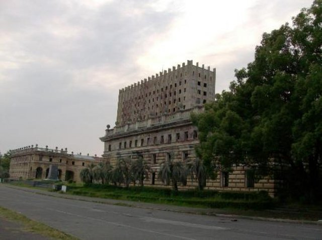Сухум 2012.Центральная!!! площадь...