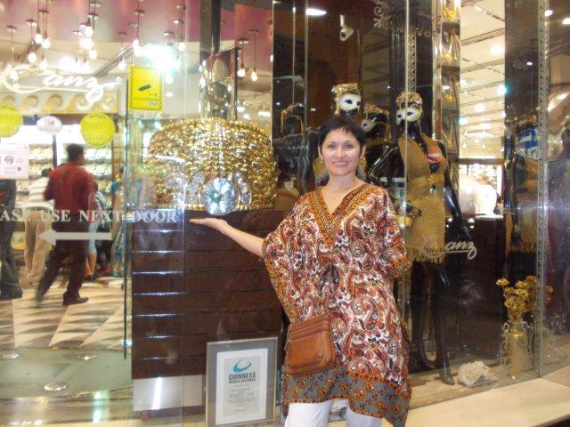 самое большое кольцо в мире на прославленном Gold souk