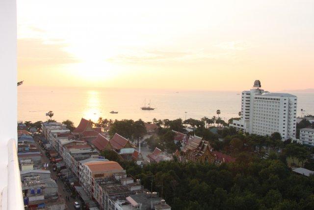 вид с нашего отеля на Сиамский залив