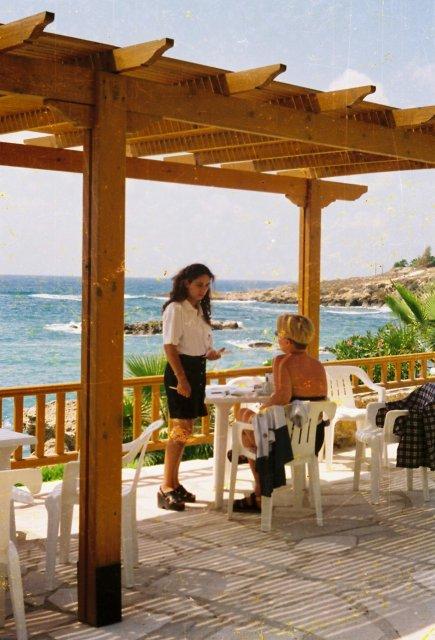"""В баре отеля """"Пафос"""" на Кипре"""