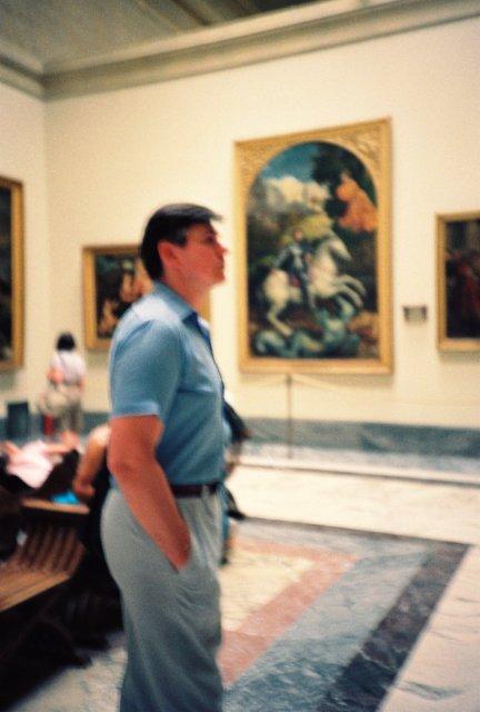Николай Ващилин в галерее Ватикана.1989