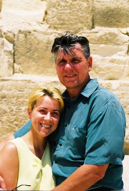 У стены пирамиды Хеопса