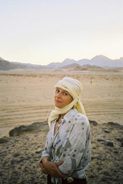 Елена в пустыне Сахара