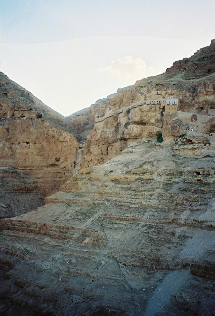 Гробы в Иерихоне,где постился Христос