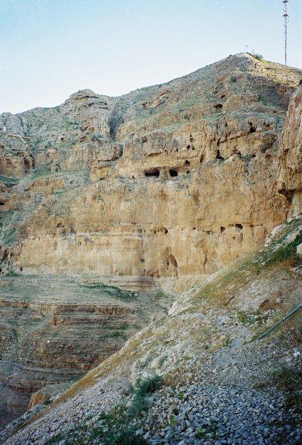 Гробы в Иерихоне ,где постился Христос