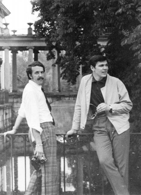 """Николай Ващилин и Володя Казалов в турпоезке по КМО """"Спутник"""" в Варшаве. 1970"""