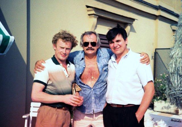 """Даниель Ольбрыхский ,Никита Михалков и Николай Ващилин на террасе отеля """"Вилла Боргезе"""" в Риме. 1989"""