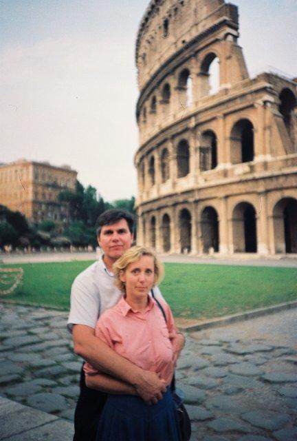 У стен Колизея в Риме