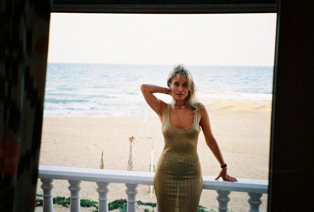 Алиса Признякова в отеле Торовьехо.1995