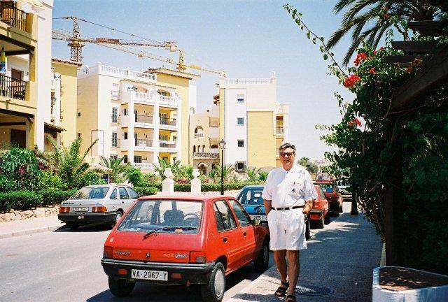 У дома Никиты Михалкова в Торовьехо.1995