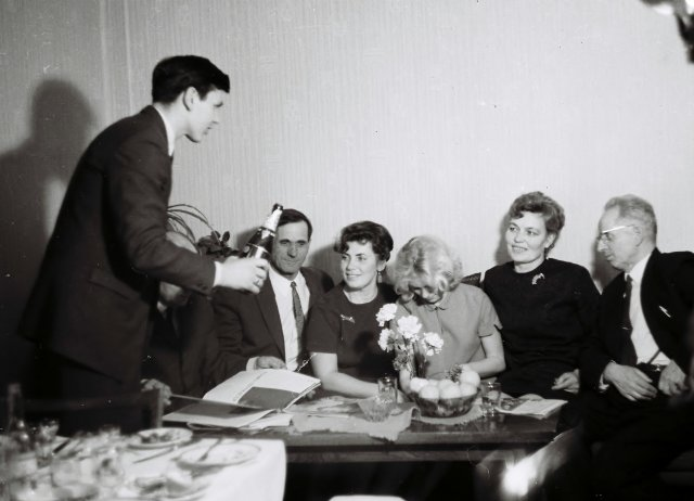 Возвращение на Родину из за границы СССР с подарками. 1970