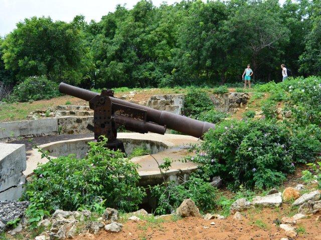 Пушки времен 2-й мировой войны.