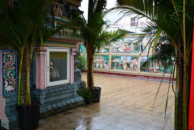 Дворик храма.