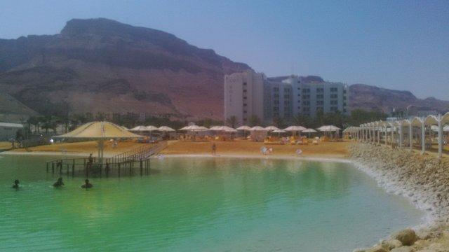 Отель Lot (вид со стороны моря)