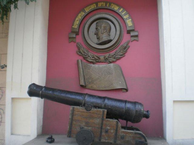 Памятник Ф.П. де Воллану, Одесса, Украина