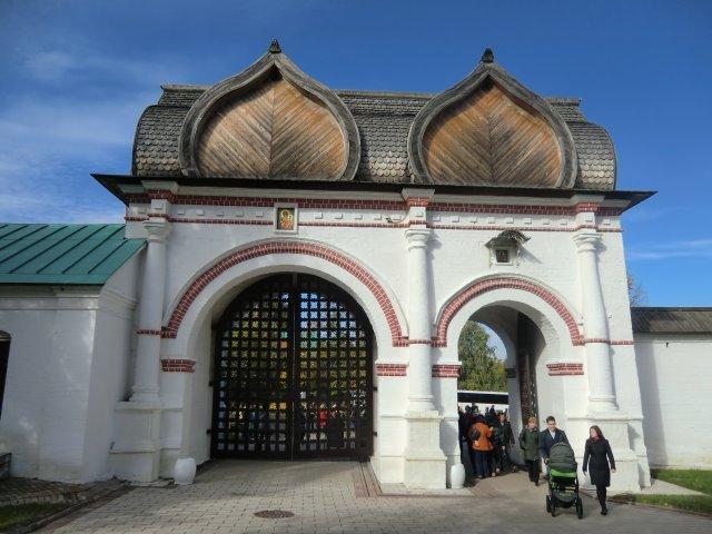 Спасские (Задние) ворота, 1673. Въезд на Государев двор.