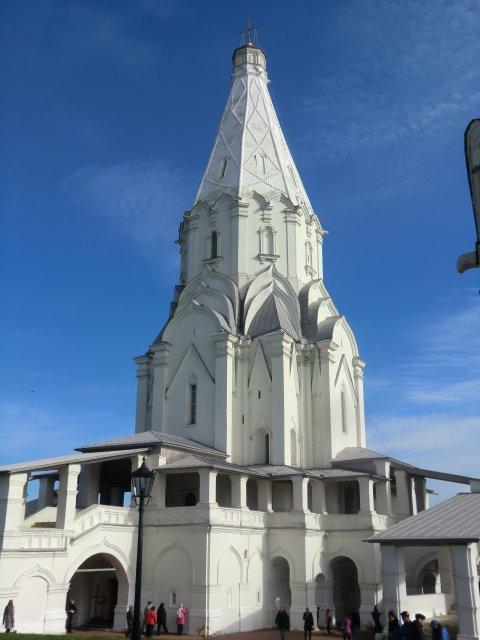 Церковь Вознесения Господня в Коломенском, 1532 г.- первый в России каменный шатровый храм. В 1994 г. включён в Список Всемирног