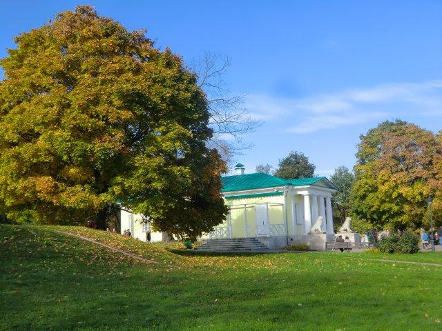 Дворцовый павильон, 1825. Входил в ансамбль летнего дворца Александра I.