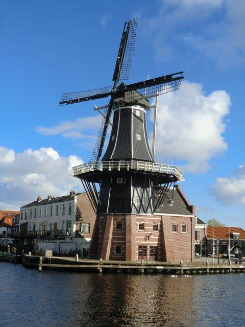 Ветряные мельницы - один из символов Нидерландов.