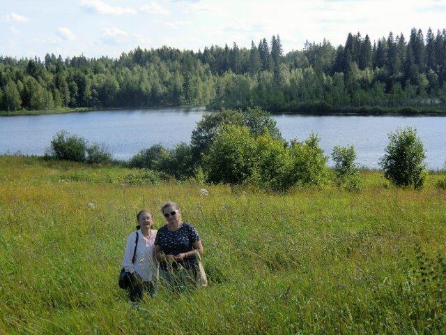 Екатерина Путраль (Михель) и Эмилия Чепулите в Удовище. Июль 2012.
