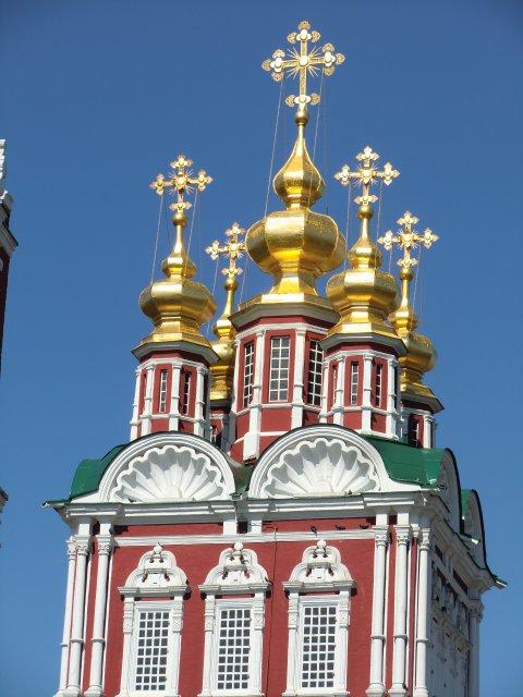 Надвратная Преображенская церковь.