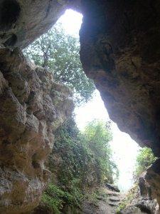 Пещера Азок