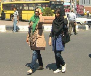 Одежда женщин и девушек
