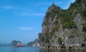 Халонг. Похоже на острова в Андаманском море?