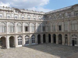 Внутренний дворик Королевского дворца, Мадрид