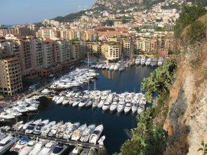 Монако - яхты у причала